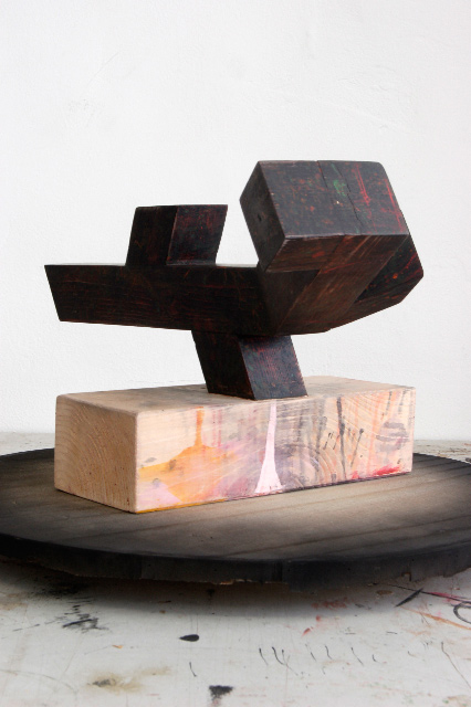 Thomas Moecker . Monument #2, 2013, wood, acrylic, wax, 280 x 157 x 130 cm (model view)